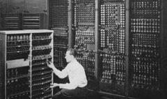 pierwszy-komputer-300x248